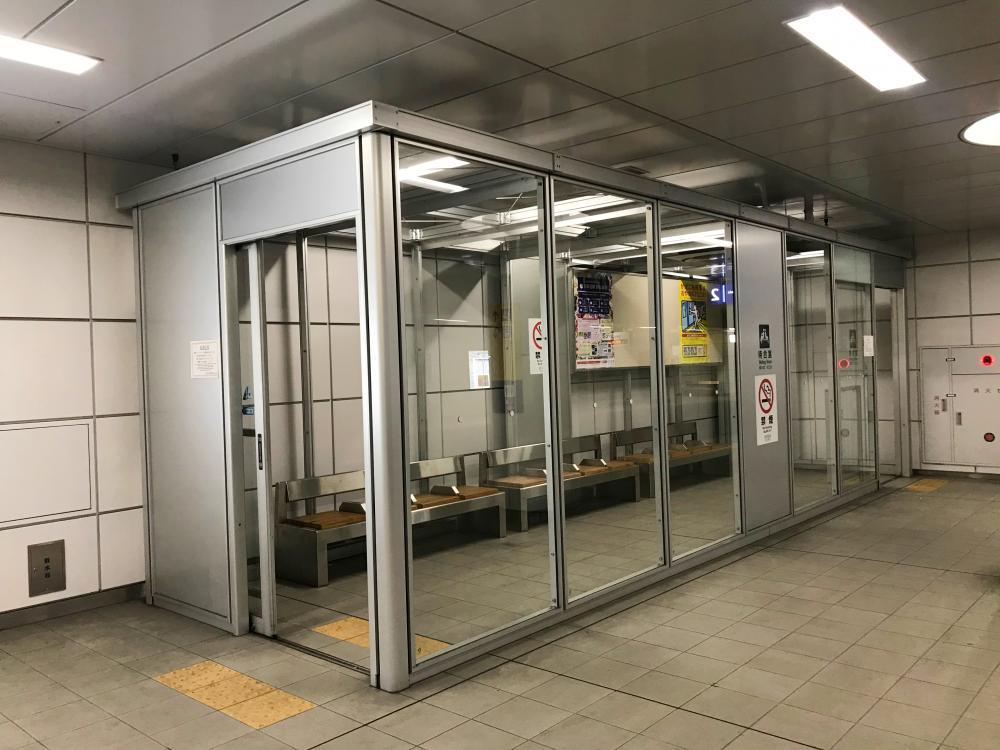 京浜急行 産業道路駅 待合室